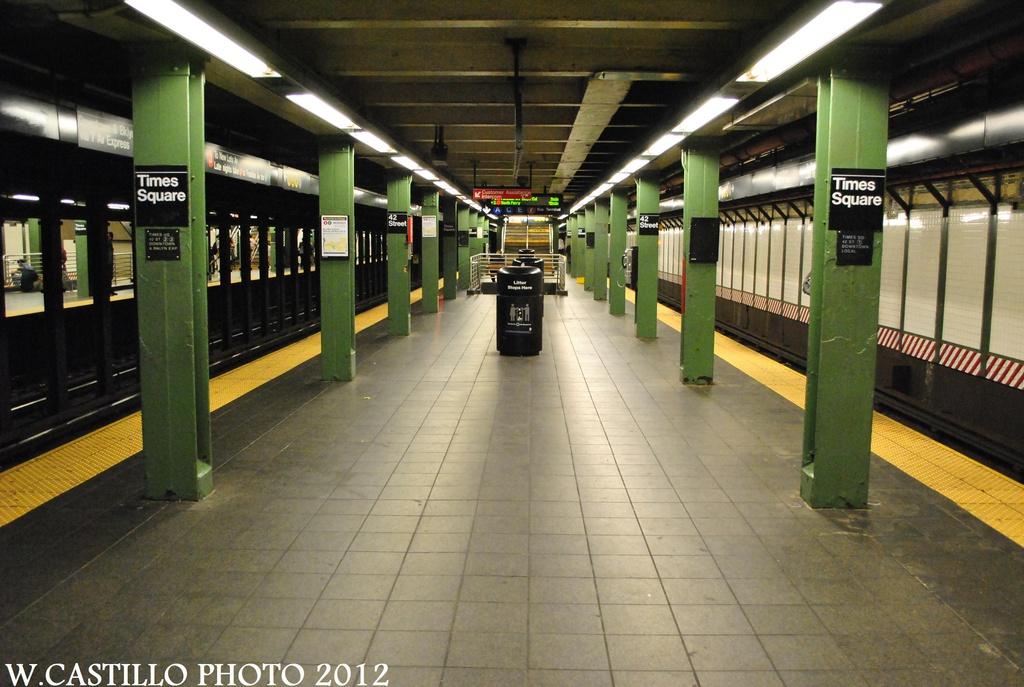 (305k, 1024x687)<br><b>Country:</b> United States<br><b>City:</b> New York<br><b>System:</b> New York City Transit<br><b>Line:</b> IRT West Side Line<br><b>Location:</b> Times Square/42nd Street <br><b>Photo by:</b> Wilfredo Castillo<br><b>Date:</b> 8/18/2012<br><b>Viewed (this week/total):</b> 0 / 974