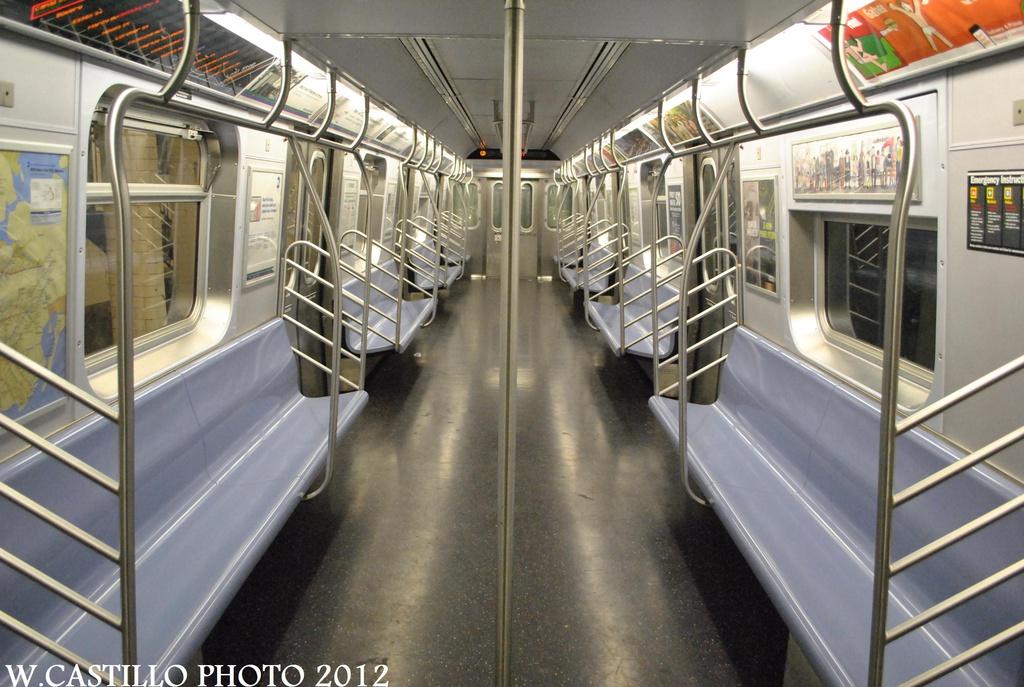 (309k, 1024x687)<br><b>Country:</b> United States<br><b>City:</b> New York<br><b>System:</b> New York City Transit<br><b>Route:</b> J<br><b>Car:</b> R-160A-1 (Alstom, 2005-2008, 4 car sets)  8496 <br><b>Photo by:</b> Wilfredo Castillo<br><b>Date:</b> 8/23/2012<br><b>Viewed (this week/total):</b> 0 / 651