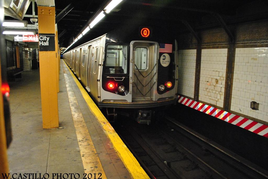 (284k, 1024x687)<br><b>Country:</b> United States<br><b>City:</b> New York<br><b>System:</b> New York City Transit<br><b>Line:</b> BMT Broadway Line<br><b>Location:</b> City Hall <br><b>Route:</b> Q<br><b>Car:</b> R-160B (Kawasaki, 2005-2008)  8838 <br><b>Photo by:</b> Wilfredo Castillo<br><b>Date:</b> 8/18/2012<br><b>Viewed (this week/total):</b> 8 / 1368