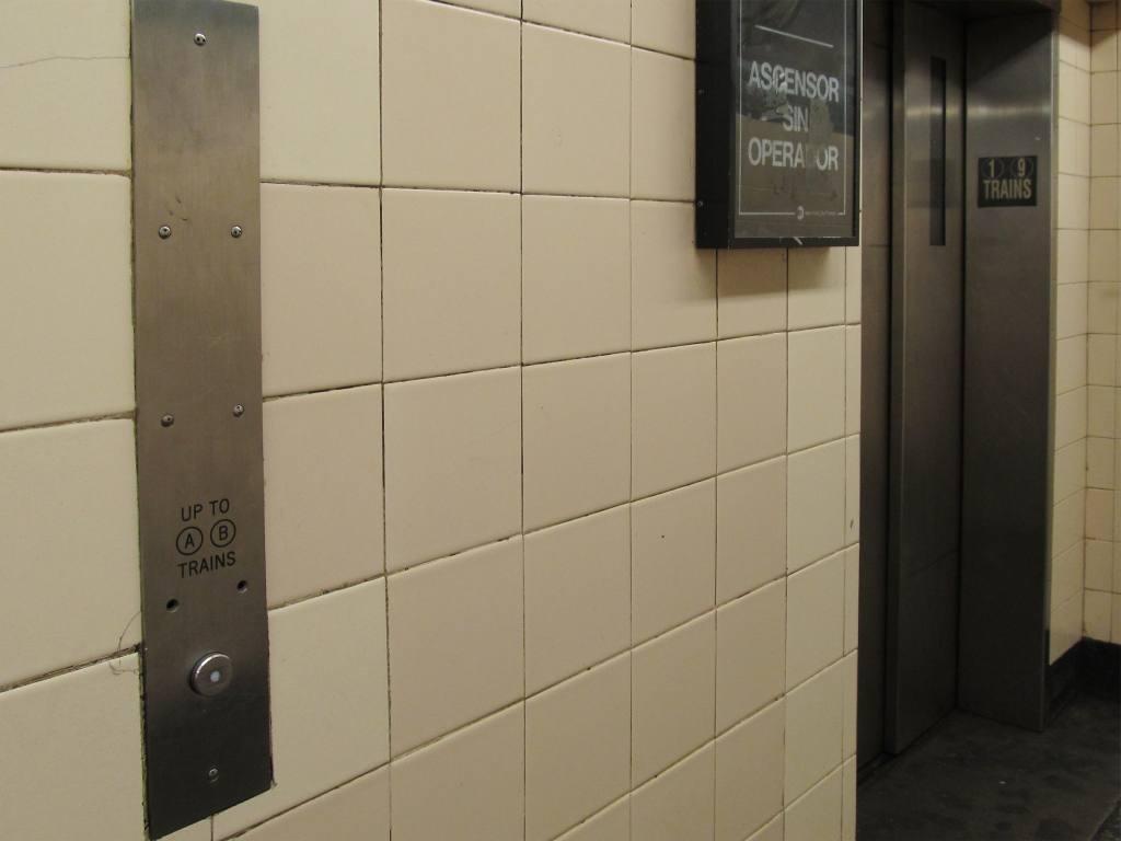 (69k, 1024x768)<br><b>Country:</b> United States<br><b>City:</b> New York<br><b>System:</b> New York City Transit<br><b>Line:</b> IRT West Side Line<br><b>Location:</b> 168th Street <br><b>Photo by:</b> Robbie Rosenfeld<br><b>Date:</b> 8/30/2012<br><b>Notes:</b> Elevator up to A/B trains. (A/C today.)<br><b>Viewed (this week/total):</b> 0 / 1165