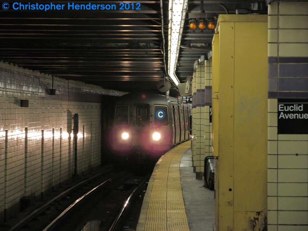 (234k, 1024x768)<br><b>Country:</b> United States<br><b>City:</b> New York<br><b>System:</b> New York City Transit<br><b>Line:</b> IND Fulton Street Line<br><b>Location:</b> Euclid Avenue <br><b>Route:</b> C<br><b>Car:</b> R-68A (Kawasaki, 1988-1989)  5086 <br><b>Photo by:</b> Christopher Henderson<br><b>Date:</b> 9/29/2012<br><b>Viewed (this week/total):</b> 3 / 1783