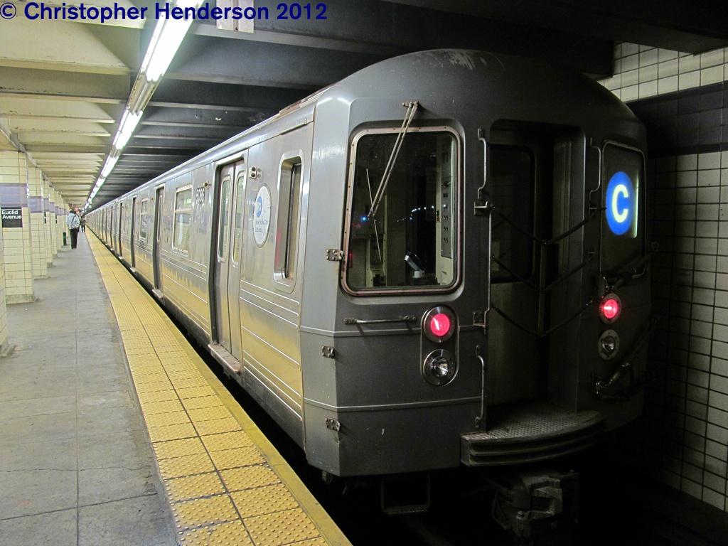 (272k, 1024x768)<br><b>Country:</b> United States<br><b>City:</b> New York<br><b>System:</b> New York City Transit<br><b>Line:</b> IND Fulton Street Line<br><b>Location:</b> Euclid Avenue <br><b>Route:</b> C<br><b>Car:</b> R-68A (Kawasaki, 1988-1989)  5086 <br><b>Photo by:</b> Christopher Henderson<br><b>Date:</b> 9/29/2012<br><b>Viewed (this week/total):</b> 0 / 1623
