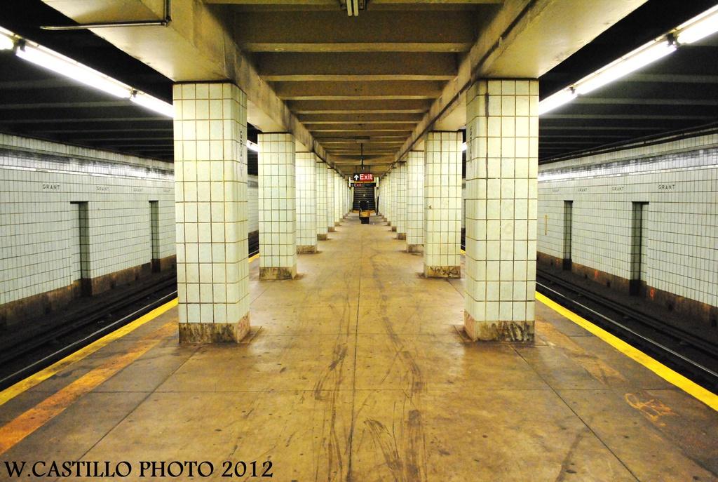 (336k, 1024x687)<br><b>Country:</b> United States<br><b>City:</b> New York<br><b>System:</b> New York City Transit<br><b>Line:</b> IND Fulton Street Line<br><b>Location:</b> Grant Avenue <br><b>Photo by:</b> Wilfredo Castillo<br><b>Date:</b> 9/23/2012<br><b>Viewed (this week/total):</b> 3 / 1326