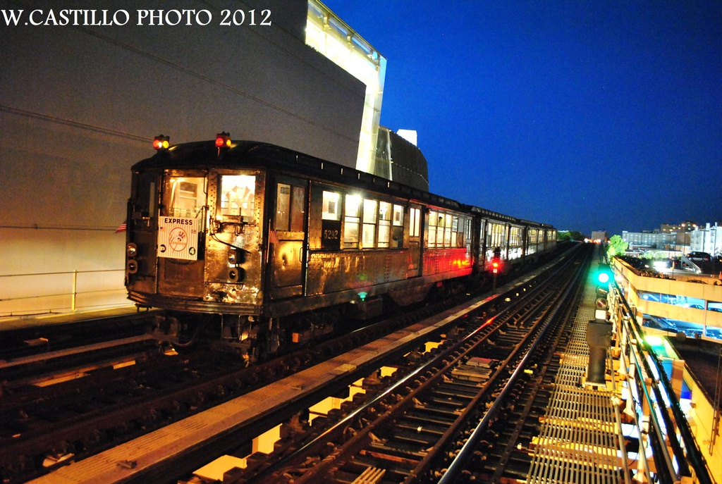 (353k, 1024x687)<br><b>Country:</b> United States<br><b>City:</b> New York<br><b>System:</b> New York City Transit<br><b>Line:</b> IRT Woodlawn Line<br><b>Location:</b> 161st Street/River Avenue (Yankee Stadium) <br><b>Route:</b> Fan Trip<br><b>Car:</b> Low-V (Museum Train) 5292 <br><b>Photo by:</b> Wilfredo Castillo<br><b>Date:</b> 10/11/2012<br><b>Viewed (this week/total):</b> 0 / 802