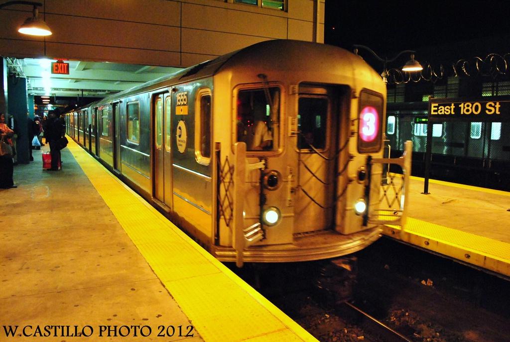 (312k, 1024x687)<br><b>Country:</b> United States<br><b>City:</b> New York<br><b>System:</b> New York City Transit<br><b>Line:</b> IRT White Plains Road Line<br><b>Location:</b> East 180th Street <br><b>Route:</b> 3<br><b>Car:</b> R-62 (Kawasaki, 1983-1985)  1555 <br><b>Photo by:</b> Wilfredo Castillo<br><b>Date:</b> 10/11/2012<br><b>Viewed (this week/total):</b> 0 / 926