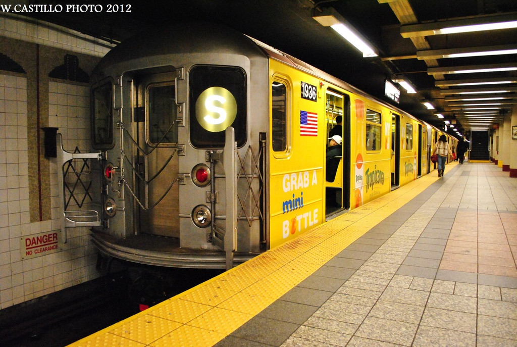 (336k, 1024x687)<br><b>Country:</b> United States<br><b>City:</b> New York<br><b>System:</b> New York City Transit<br><b>Line:</b> IRT Times Square-Grand Central Shuttle<br><b>Location:</b> Grand Central <br><b>Route:</b> S<br><b>Car:</b> R-62A (Bombardier, 1984-1987)  1936 <br><b>Photo by:</b> Wilfredo Castillo<br><b>Date:</b> 10/8/2012<br><b>Viewed (this week/total):</b> 2 / 665