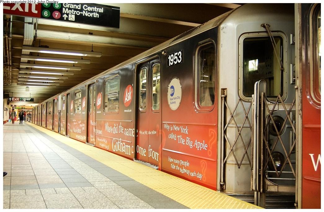 (383k, 1044x685)<br><b>Country:</b> United States<br><b>City:</b> New York<br><b>System:</b> New York City Transit<br><b>Line:</b> IRT Times Square-Grand Central Shuttle<br><b>Location:</b> Grand Central <br><b>Route:</b> S<br><b>Car:</b> R-62A (Bombardier, 1984-1987)  1953 <br><b>Photo by:</b> John Dooley<br><b>Date:</b> 10/11/2012<br><b>Viewed (this week/total):</b> 0 / 585