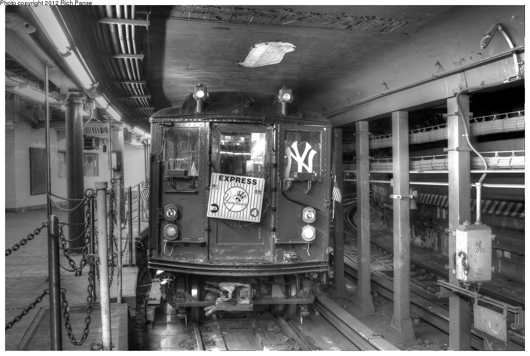 (255k, 1044x702)<br><b>Country:</b> United States<br><b>City:</b> New York<br><b>System:</b> New York City Transit<br><b>Line:</b> IRT West Side Line<br><b>Location:</b> South Ferry (Outer Loop Station) <br><b>Route:</b> Fan Trip<br><b>Car:</b> Low-V (Museum Train) 5292 <br><b>Photo by:</b> Richard Panse<br><b>Date:</b> 10/13/2012<br><b>Viewed (this week/total):</b> 5 / 2288
