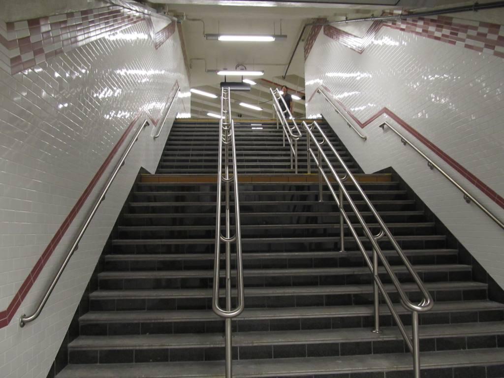 (108k, 1024x768)<br><b>Country:</b> United States<br><b>City:</b> New York<br><b>System:</b> New York City Transit<br><b>Line:</b> IRT Brooklyn Line<br><b>Location:</b> Atlantic Avenue <br><b>Photo by:</b> Robbie Rosenfeld<br><b>Date:</b> 9/19/2012<br><b>Notes:</b> New entrance.<br><b>Viewed (this week/total):</b> 7 / 759