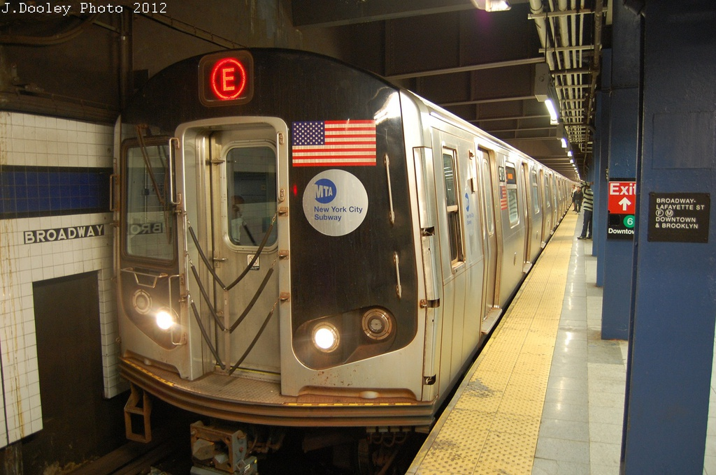 (291k, 1024x680)<br><b>Country:</b> United States<br><b>City:</b> New York<br><b>System:</b> New York City Transit<br><b>Line:</b> IND 6th Avenue Line<br><b>Location:</b> Broadway/Lafayette <br><b>Route:</b> E reroute<br><b>Car:</b> R-160A (Option 2) (Alstom, 2009, 5-car sets)  9713 <br><b>Photo by:</b> John Dooley<br><b>Date:</b> 10/22/2012<br><b>Viewed (this week/total):</b> 1 / 851