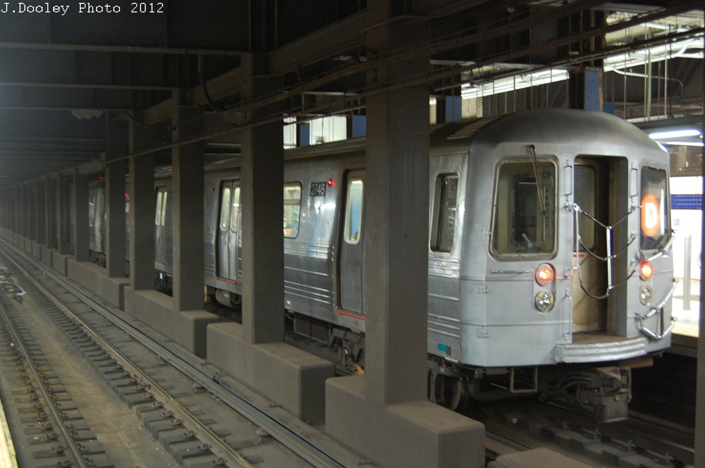 (252k, 1024x680)<br><b>Country:</b> United States<br><b>City:</b> New York<br><b>System:</b> New York City Transit<br><b>Line:</b> IND 6th Avenue Line<br><b>Location:</b> Broadway/Lafayette <br><b>Route:</b> D<br><b>Car:</b> R-68 (Westinghouse-Amrail, 1986-1988)  2748 <br><b>Photo by:</b> John Dooley<br><b>Date:</b> 10/22/2012<br><b>Viewed (this week/total):</b> 3 / 1075