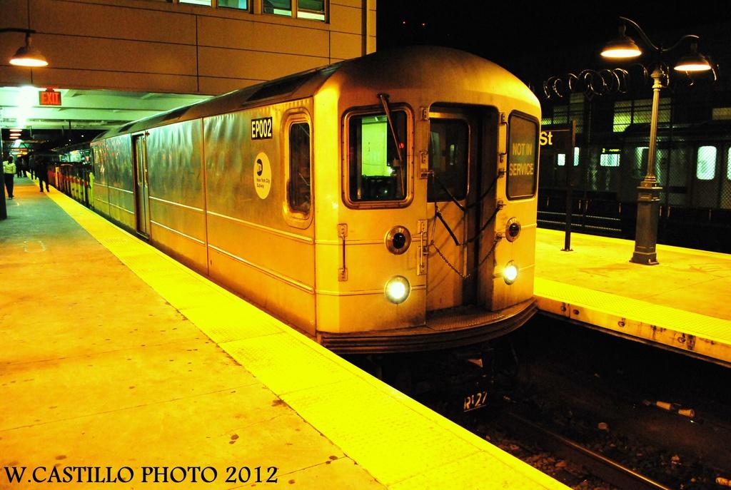 (307k, 1024x687)<br><b>Country:</b> United States<br><b>City:</b> New York<br><b>System:</b> New York City Transit<br><b>Line:</b> IRT White Plains Road Line<br><b>Location:</b> East 180th Street <br><b>Route:</b> Work Service<br><b>Car:</b> R-127/R-134 (Kawasaki, 1991-1996) EP002 <br><b>Photo by:</b> Wilfredo Castillo<br><b>Date:</b> 10/16/2012<br><b>Viewed (this week/total):</b> 1 / 1033