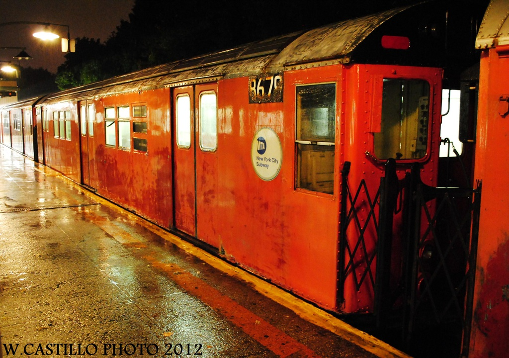(349k, 1024x720)<br><b>Country:</b> United States<br><b>City:</b> New York<br><b>System:</b> New York City Transit<br><b>Line:</b> IRT Dyre Ave. Line<br><b>Location:</b> Dyre Avenue <br><b>Route:</b> Work Service<br><b>Car:</b> R-29 (St. Louis, 1962) 8679 <br><b>Photo by:</b> Wilfredo Castillo<br><b>Date:</b> 10/19/2012<br><b>Viewed (this week/total):</b> 0 / 1303