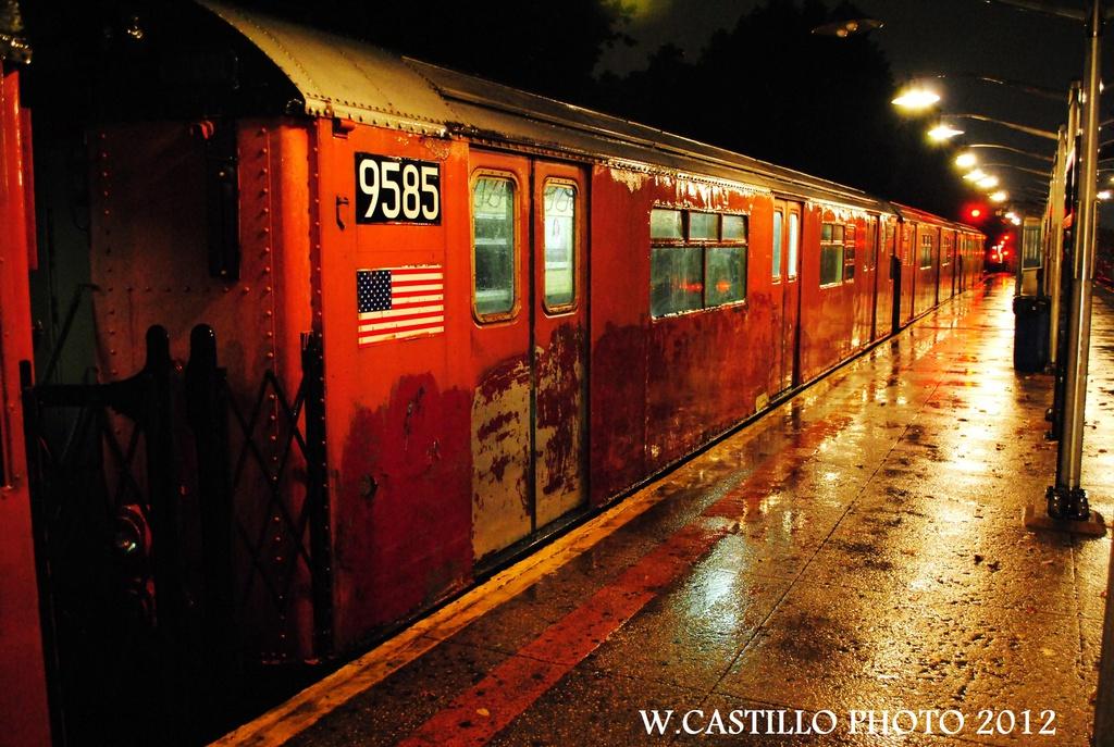 (360k, 1024x687)<br><b>Country:</b> United States<br><b>City:</b> New York<br><b>System:</b> New York City Transit<br><b>Line:</b> IRT Dyre Ave. Line<br><b>Location:</b> Dyre Avenue <br><b>Route:</b> Work Service<br><b>Car:</b> R-36 World's Fair (St. Louis, 1963-64) 9585 <br><b>Photo by:</b> Wilfredo Castillo<br><b>Date:</b> 10/19/2012<br><b>Viewed (this week/total):</b> 1 / 1348
