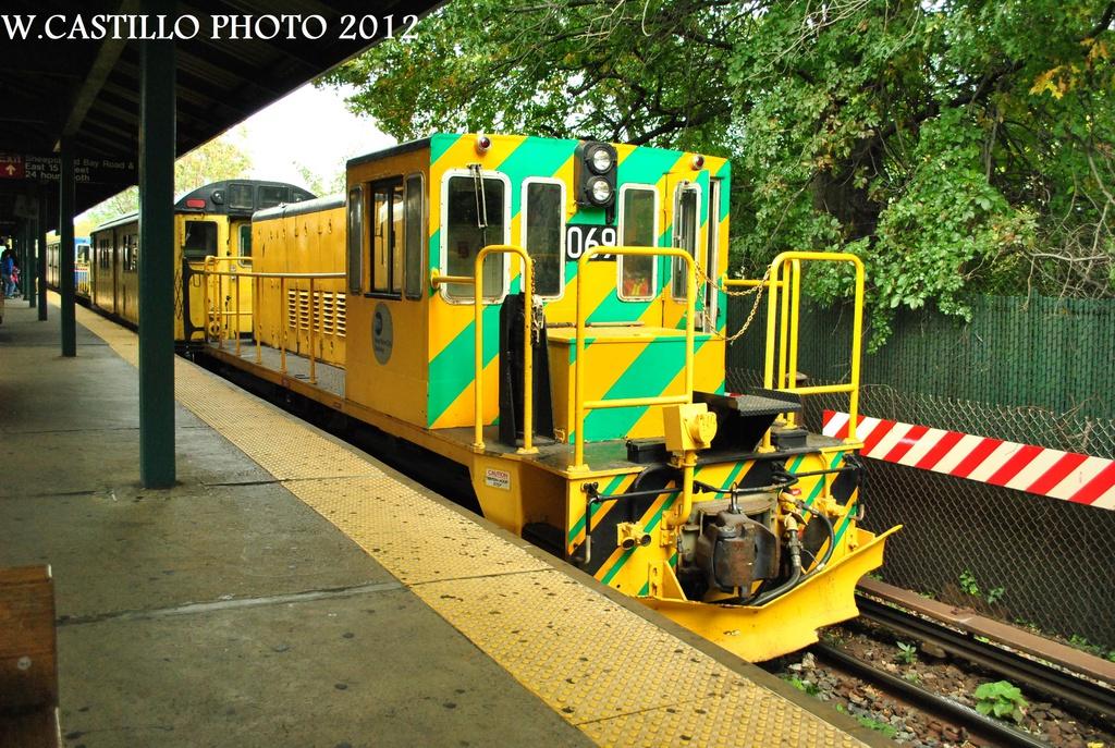 (439k, 1024x687)<br><b>Country:</b> United States<br><b>City:</b> New York<br><b>System:</b> New York City Transit<br><b>Line:</b> BMT Brighton Line<br><b>Location:</b> Sheepshead Bay <br><b>Route:</b> Work Service<br><b>Car:</b> R-47 Locomotive  69 <br><b>Photo by:</b> Wilfredo Castillo<br><b>Date:</b> 10/15/2012<br><b>Viewed (this week/total):</b> 0 / 737