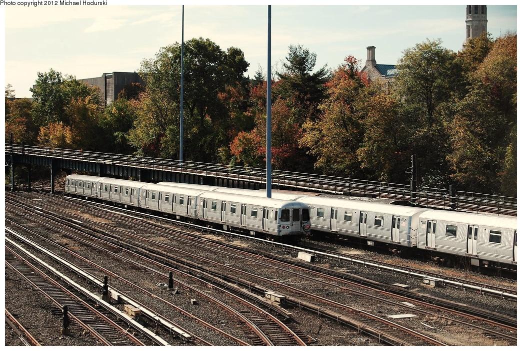 (483k, 1044x701)<br><b>Country:</b> United States<br><b>City:</b> New York<br><b>System:</b> New York City Transit<br><b>Location:</b> Concourse Yard<br><b>Car:</b> R-44 (St. Louis, 1971-73) 5440/5441 <br><b>Photo by:</b> Michael Hodurski<br><b>Date:</b> 10/28/2010<br><b>Viewed (this week/total):</b> 1 / 584