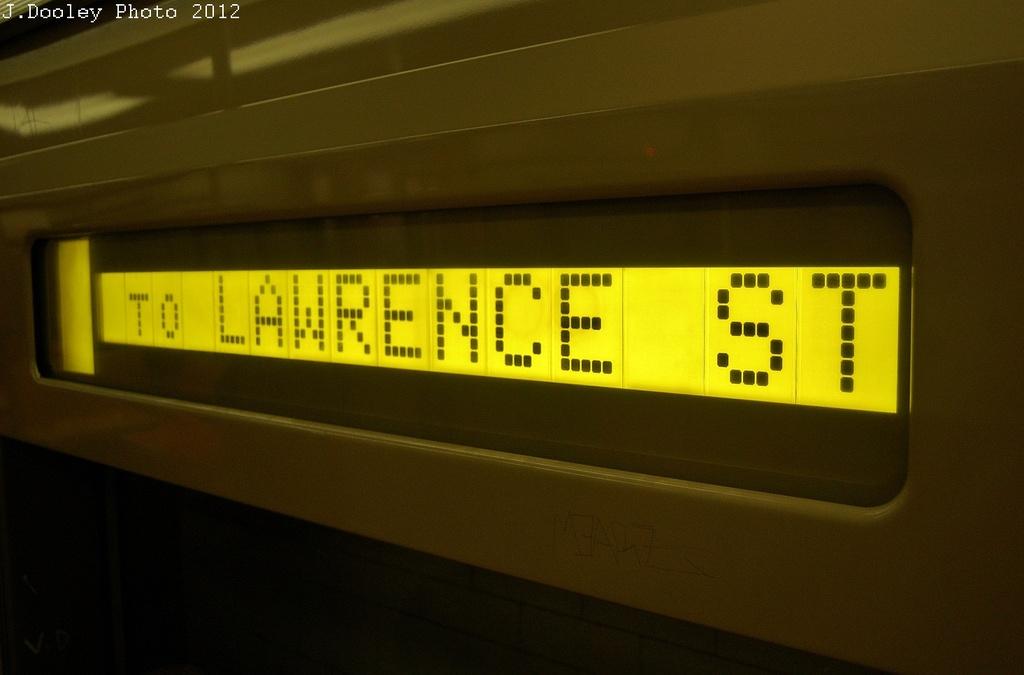 (214k, 1024x675)<br><b>Country:</b> United States<br><b>City:</b> New York<br><b>System:</b> New York City Transit<br><b>Route:</b> R<br><b>Car:</b> R-46 (Pullman-Standard, 1974-75)  <br><b>Photo by:</b> John Dooley<br><b>Date:</b> 11/1/2012<br><b>Notes:</b> Post-Sandy temporary service sign<br><b>Viewed (this week/total):</b> 0 / 778