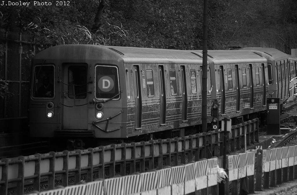 (329k, 1024x675)<br><b>Country:</b> United States<br><b>City:</b> New York<br><b>System:</b> New York City Transit<br><b>Line:</b> BMT West End Line<br><b>Location:</b> 9th Avenue <br><b>Route:</b> D<br><b>Car:</b> R-68 (Westinghouse-Amrail, 1986-1988)   <br><b>Photo by:</b> John Dooley<br><b>Date:</b> 11/1/2012<br><b>Viewed (this week/total):</b> 0 / 861