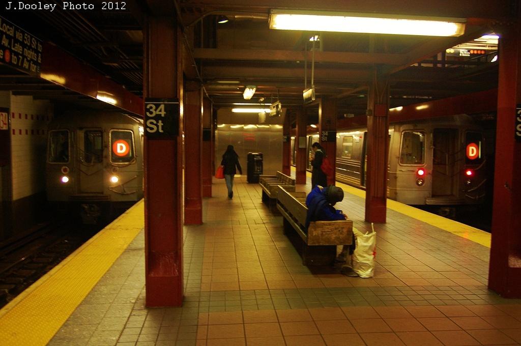 (301k, 1024x680)<br><b>Country:</b> United States<br><b>City:</b> New York<br><b>System:</b> New York City Transit<br><b>Line:</b> IND 6th Avenue Line<br><b>Location:</b> 34th Street/Herald Square <br><b>Route:</b> D<br><b>Car:</b> R-68 (Westinghouse-Amrail, 1986-1988)   <br><b>Photo by:</b> John Dooley<br><b>Date:</b> 11/2/2012<br><b>Notes:</b> Post-Sandy temporary terminal.<br><b>Viewed (this week/total):</b> 7 / 1585