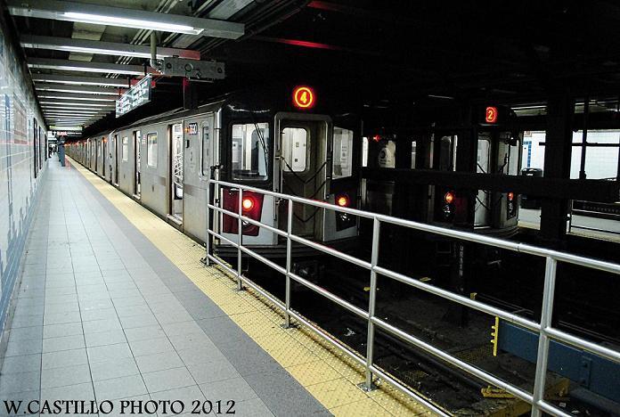 (125k, 696x468)<br><b>Country:</b> United States<br><b>City:</b> New York<br><b>System:</b> New York City Transit<br><b>Line:</b> IRT Brooklyn Line<br><b>Location:</b> Flatbush Avenue <br><b>Route:</b> 4/2<br><b>Car:</b> R-142 or R-142A (Number Unknown)  <br><b>Photo by:</b> Wilfredo Castillo<br><b>Date:</b> 10/22/2012<br><b>Viewed (this week/total):</b> 0 / 1776