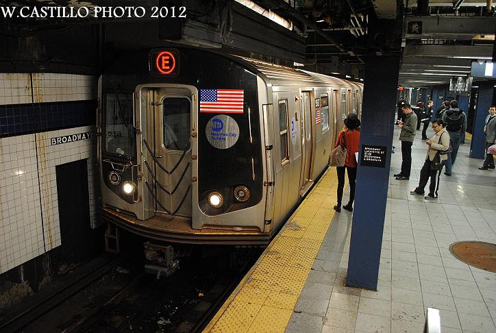 (139k, 724x486)<br><b>Country:</b> United States<br><b>City:</b> New York<br><b>System:</b> New York City Transit<br><b>Line:</b> IND 6th Avenue Line<br><b>Location:</b> Broadway/Lafayette<br><b>Route:</b> E reroute<br><b>Car:</b> R-160A (Option 1) (Alstom, 2008-2009, 5 car sets) 9587 <br><b>Photo by:</b> Wilfredo Castillo<br><b>Date:</b> 10/22/2012<br><b>Viewed (this week/total):</b> 0 / 1599
