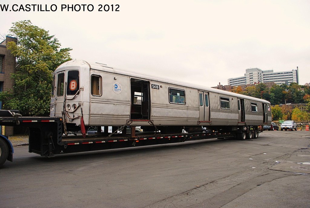 (285k, 1024x687)<br><b>Country:</b> United States<br><b>City:</b> New York<br><b>System:</b> New York City Transit<br><b>Location:</b> 207th Street Yard<br><b>Car:</b> R-44 (St. Louis, 1971-73) 5418 <br><b>Photo by:</b> Wilfredo Castillo<br><b>Date:</b> 10/26/2012<br><b>Notes:</b> Scrapping<br><b>Viewed (this week/total):</b> 1 / 1523