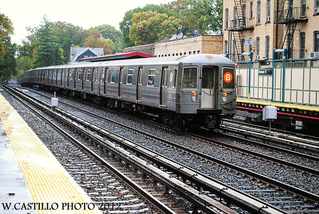 (479k, 1024x687)<br><b>Country:</b> United States<br><b>City:</b> New York<br><b>System:</b> New York City Transit<br><b>Line:</b> BMT Brighton Line<br><b>Location:</b> Avenue H <br><b>Route:</b> B<br><b>Car:</b> R-68A (Kawasaki, 1988-1989)  5078 <br><b>Photo by:</b> Wilfredo Castillo<br><b>Date:</b> 10/19/2012<br><b>Viewed (this week/total):</b> 6 / 887