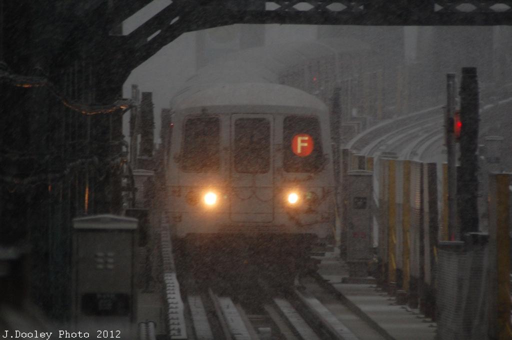(205k, 1024x680)<br><b>Country:</b> United States<br><b>City:</b> New York<br><b>System:</b> New York City Transit<br><b>Line:</b> IND Crosstown Line<br><b>Location:</b> 4th Avenue <br><b>Route:</b> F<br><b>Car:</b> R-46 (Pullman-Standard, 1974-75) 5654 <br><b>Photo by:</b> John Dooley<br><b>Date:</b> 11/7/2012<br><b>Viewed (this week/total):</b> 0 / 1048