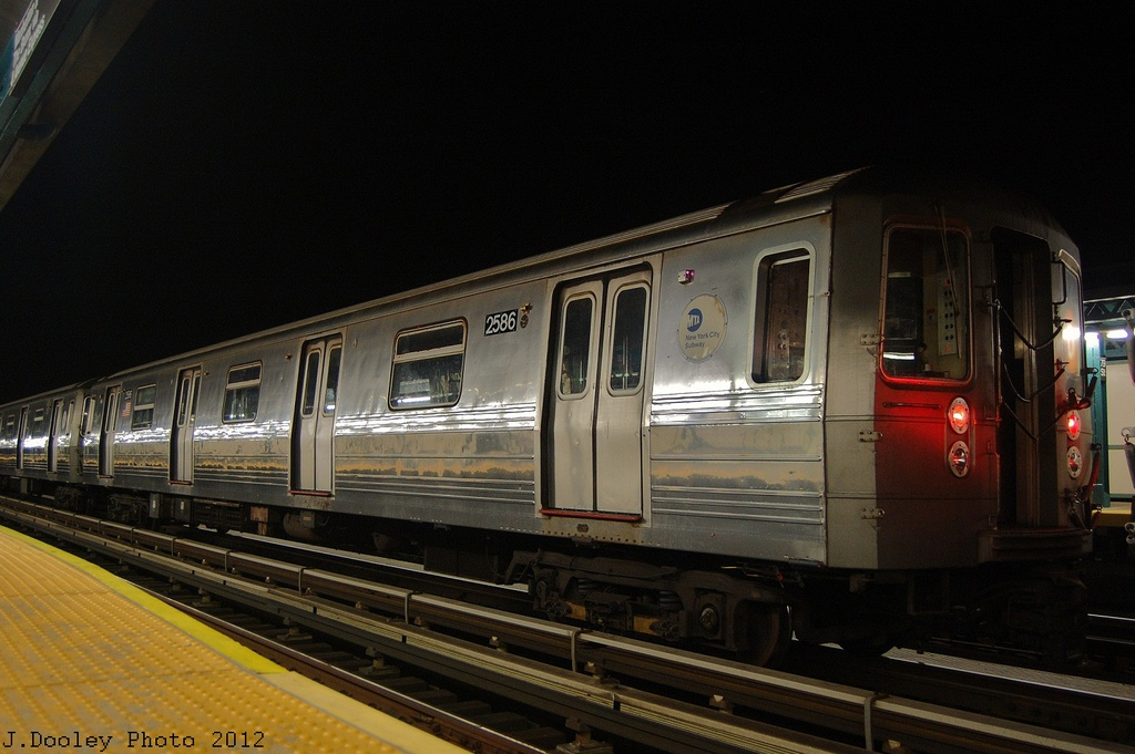 (279k, 1024x681)<br><b>Country:</b> United States<br><b>City:</b> New York<br><b>System:</b> New York City Transit<br><b>Line:</b> BMT West End Line<br><b>Location:</b> 79th Street <br><b>Car:</b> R-68 (Westinghouse-Amrail, 1986-1988)  2586 <br><b>Photo by:</b> John Dooley<br><b>Date:</b> 11/12/2012<br><b>Notes:</b> Post-Sandy layups due to Coney Island Yard cleanup<br><b>Viewed (this week/total):</b> 1 / 809