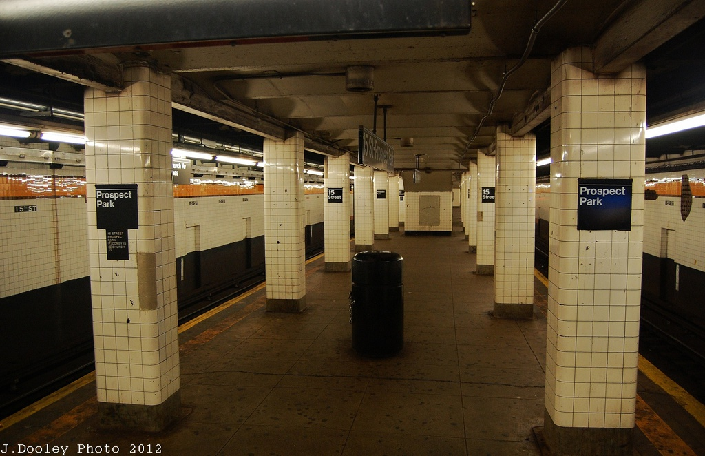 (293k, 1024x662)<br><b>Country:</b> United States<br><b>City:</b> New York<br><b>System:</b> New York City Transit<br><b>Line:</b> IND Crosstown Line<br><b>Location:</b> 15th Street/Prospect Park <br><b>Photo by:</b> John Dooley<br><b>Date:</b> 11/13/2012<br><b>Viewed (this week/total):</b> 0 / 836