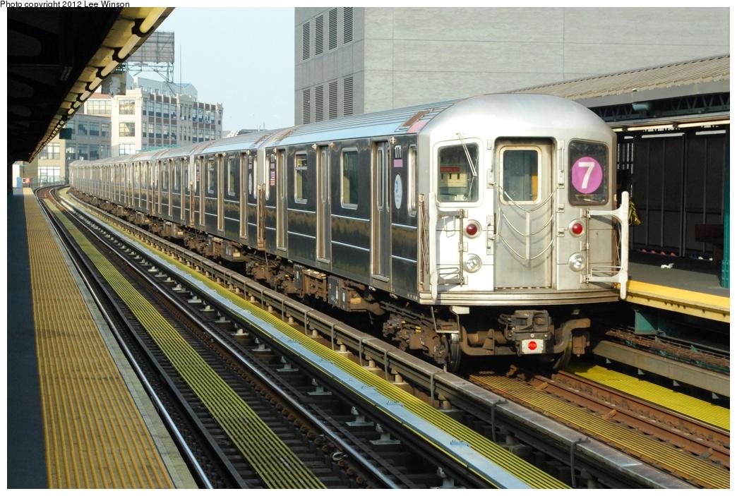 (346k, 1044x703)<br><b>Country:</b> United States<br><b>City:</b> New York<br><b>System:</b> New York City Transit<br><b>Line:</b> IRT Flushing Line<br><b>Location:</b> Court House Square/45th Road <br><b>Route:</b> 7<br><b>Car:</b> R-62A (Bombardier, 1984-1987)  2271 <br><b>Photo by:</b> Lee Winson<br><b>Date:</b> 12/2/2012<br><b>Viewed (this week/total):</b> 1 / 919