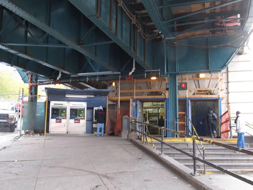 (131k, 1024x768)<br><b>Country:</b> United States<br><b>City:</b> New York<br><b>System:</b> New York City Transit<br><b>Line:</b> IRT West Side Line<br><b>Location:</b> Dyckman Street <br><b>Photo by:</b> Robbie Rosenfeld<br><b>Date:</b> 11/15/2012<br><b>Viewed (this week/total):</b> 0 / 957