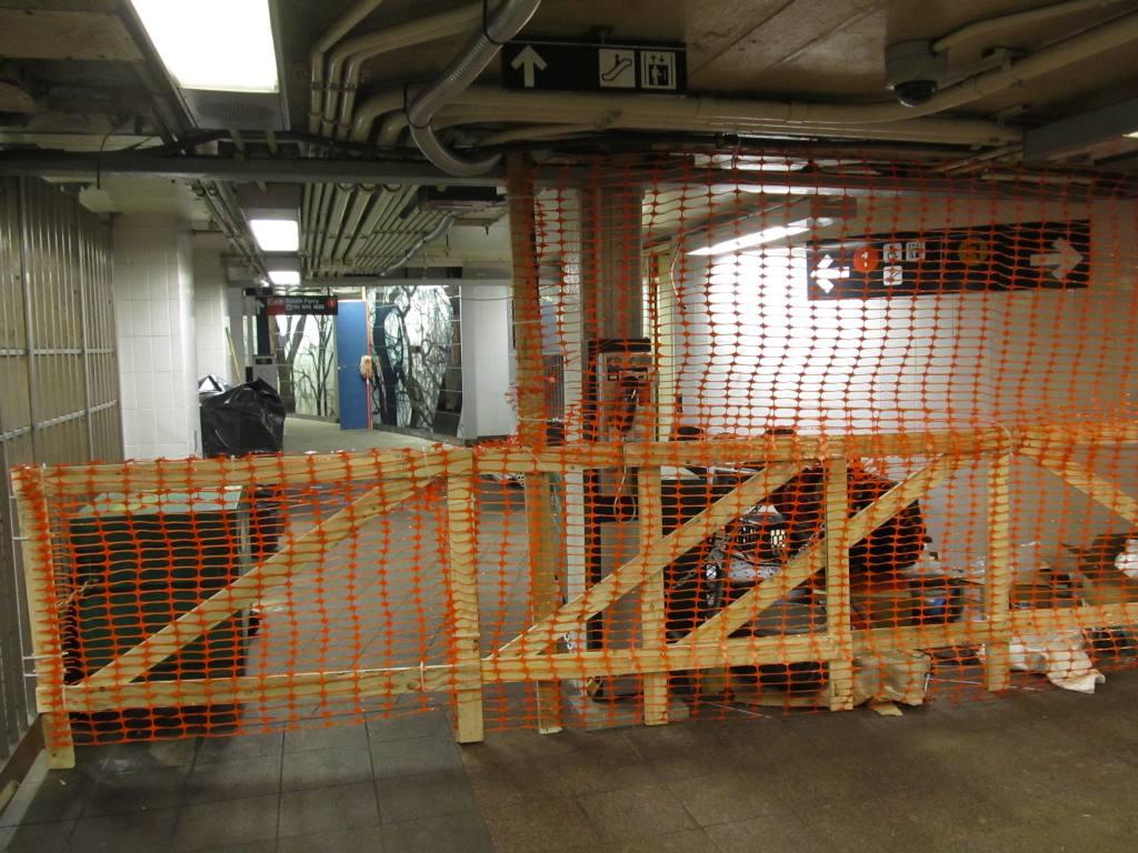 (140k, 1024x768)<br><b>Country:</b> United States<br><b>City:</b> New York<br><b>System:</b> New York City Transit<br><b>Line:</b> BMT Broadway Line<br><b>Location:</b> Whitehall Street <br><b>Photo by:</b> Robbie Rosenfeld<br><b>Date:</b> 12/3/2012<br><b>Notes:</b> Post-Sandy- corridor to South Ferry<br><b>Viewed (this week/total):</b> 0 / 1373