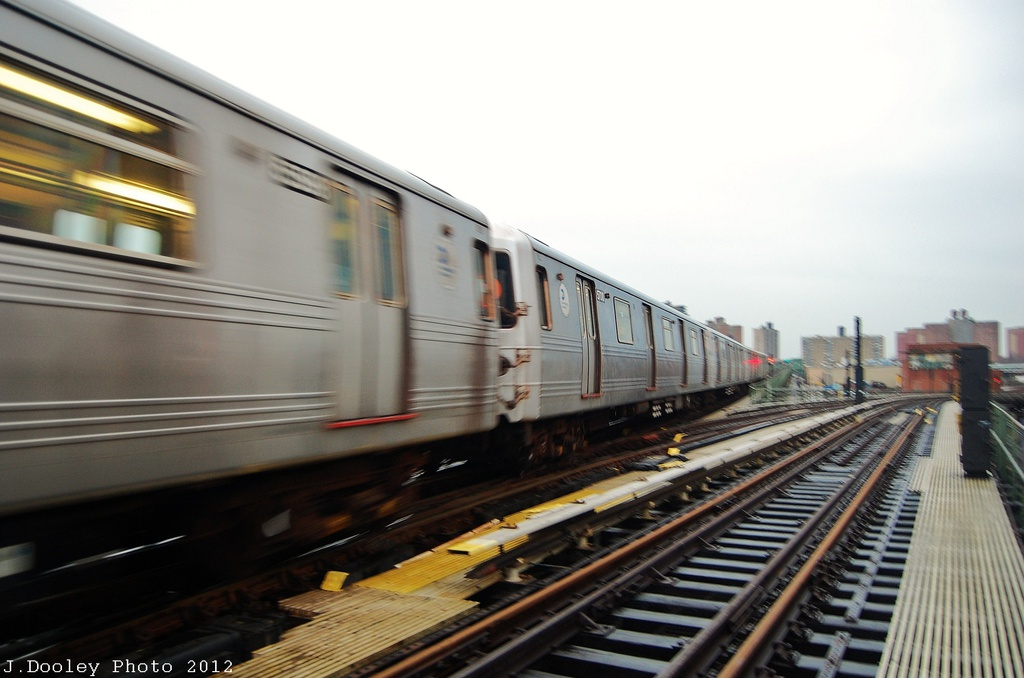 (247k, 1024x678)<br><b>Country:</b> United States<br><b>City:</b> New York<br><b>System:</b> New York City Transit<br><b>Line:</b> BMT Culver Line<br><b>Location:</b> Avenue X <br><b>Route:</b> F<br><b>Car:</b> R-46 (Pullman-Standard, 1974-75) 5700 <br><b>Photo by:</b> John Dooley<br><b>Date:</b> 12/9/2012<br><b>Viewed (this week/total):</b> 0 / 924
