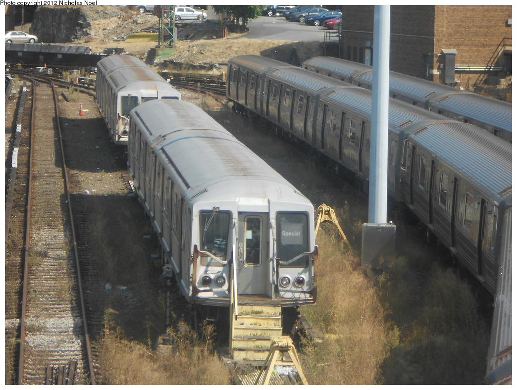 (417k, 1044x788)<br><b>Country:</b> United States<br><b>City:</b> New York<br><b>System:</b> New York City Transit<br><b>Location:</b> Concourse Yard<br><b>Car:</b> R-40 (St. Louis, 1968)   <br><b>Photo by:</b> Nicholas Noel<br><b>Date:</b> 9/17/2012<br><b>Viewed (this week/total):</b> 1 / 915