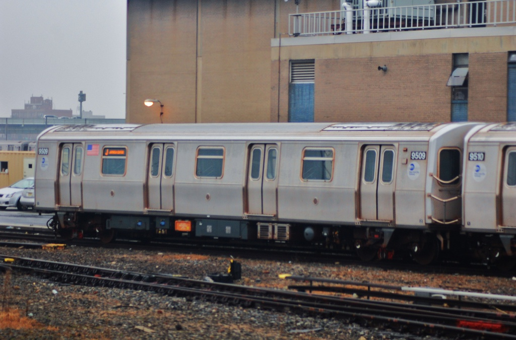 (258k, 1024x675)<br><b>Country:</b> United States<br><b>City:</b> New York<br><b>System:</b> New York City Transit<br><b>Location:</b> Coney Island Yard<br><b>Car:</b> R-160A (Option 1) (Alstom, 2008-2009, 5 car sets)  9509 <br><b>Photo by:</b> John Dooley<br><b>Date:</b> 12/8/2012<br><b>Viewed (this week/total):</b> 0 / 564
