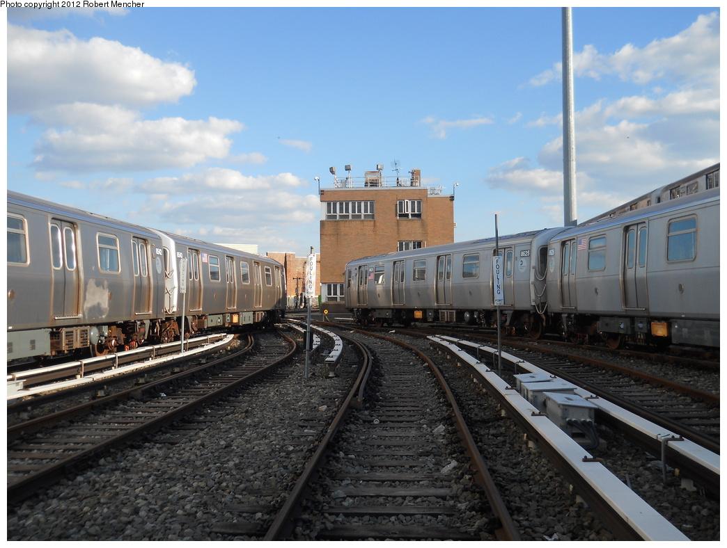 (363k, 1044x788)<br><b>Country:</b> United States<br><b>City:</b> New York<br><b>System:</b> New York City Transit<br><b>Location:</b> East New York Yard/Shops<br><b>Car:</b> R-160A-1 (Alstom, 2005-2008, 4 car sets)  8625 <br><b>Photo by:</b> Robert Mencher<br><b>Date:</b> 10/21/2012<br><b>Viewed (this week/total):</b> 10 / 535