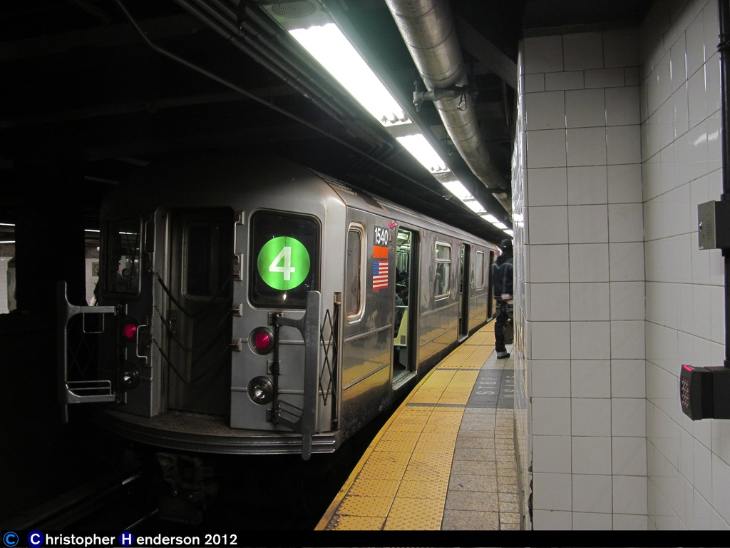 (214k, 1024x768)<br><b>Country:</b> United States<br><b>City:</b> New York<br><b>System:</b> New York City Transit<br><b>Line:</b> IRT East Side Line<br><b>Location:</b> Grand Central <br><b>Route:</b> 4<br><b>Car:</b> R-62 (Kawasaki, 1983-1985)  1540 <br><b>Photo by:</b> Christopher Henderson<br><b>Date:</b> 11/3/2012<br><b>Viewed (this week/total):</b> 1 / 1221
