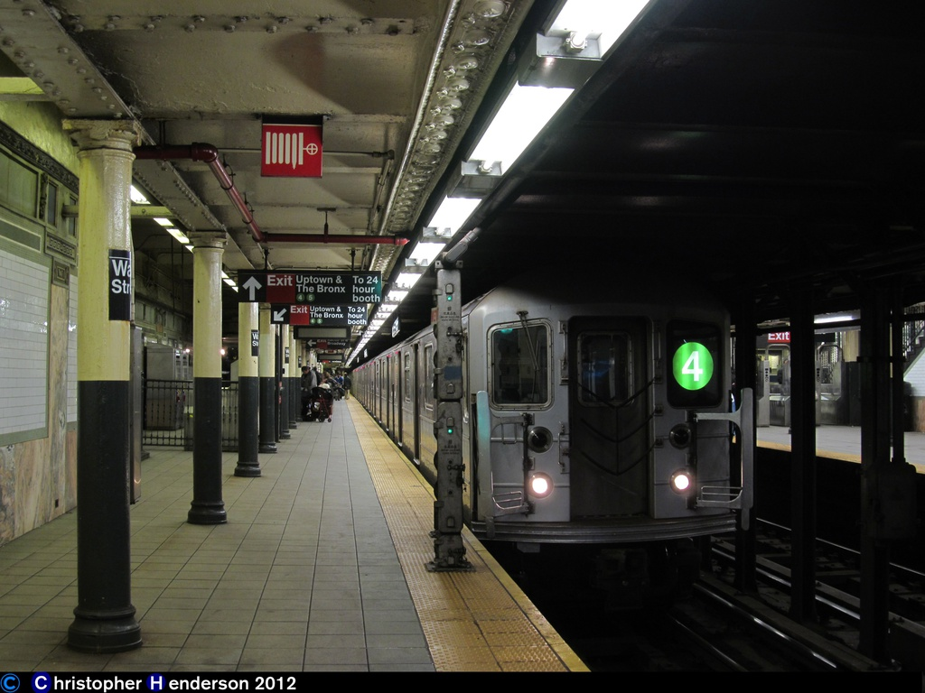 (241k, 1024x768)<br><b>Country:</b> United States<br><b>City:</b> New York<br><b>System:</b> New York City Transit<br><b>Line:</b> IRT East Side Line<br><b>Location:</b> Wall Street <br><b>Route:</b> 4<br><b>Car:</b> R-62 (Kawasaki, 1983-1985)   <br><b>Photo by:</b> Christopher Henderson<br><b>Date:</b> 11/3/2012<br><b>Viewed (this week/total):</b> 0 / 1727