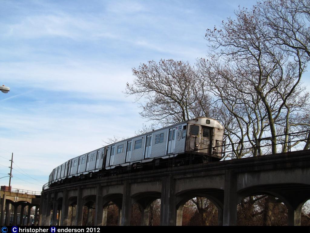 (322k, 1024x768)<br><b>Country:</b> United States<br><b>City:</b> New York<br><b>System:</b> New York City Transit<br><b>Line:</b> IND Rockaway<br><b>Location:</b> Hammels Wye <br><b>Route:</b> H<br><b>Car:</b> R-32 (Budd, 1964)  3394 <br><b>Photo by:</b> Christopher Henderson<br><b>Date:</b> 11/20/2012<br><b>Notes:</b> First day of H service in Rockaways post-Sandy<br><b>Viewed (this week/total):</b> 4 / 1075