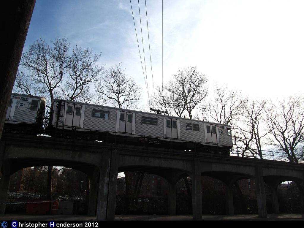 (250k, 1024x768)<br><b>Country:</b> United States<br><b>City:</b> New York<br><b>System:</b> New York City Transit<br><b>Line:</b> IND Rockaway<br><b>Location:</b> Hammels Wye <br><b>Route:</b> H<br><b>Car:</b> R-32 (Budd, 1964)  3394 <br><b>Photo by:</b> Christopher Henderson<br><b>Date:</b> 11/20/2012<br><b>Notes:</b> First day of H service in Rockaways post-Sandy<br><b>Viewed (this week/total):</b> 1 / 1030