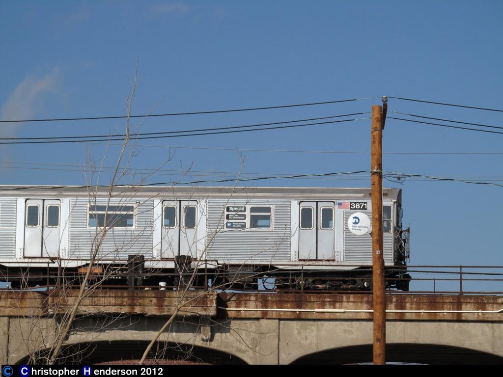 (244k, 1024x768)<br><b>Country:</b> United States<br><b>City:</b> New York<br><b>System:</b> New York City Transit<br><b>Line:</b> IND Rockaway<br><b>Location:</b> Beach 44th Street/Frank Avenue <br><b>Route:</b> H<br><b>Car:</b> R-32 (Budd, 1964)  3871 <br><b>Photo by:</b> Christopher Henderson<br><b>Date:</b> 12/18/2012<br><b>Viewed (this week/total):</b> 2 / 988