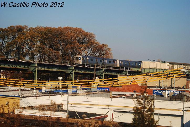 (126k, 724x486)<br><b>Country:</b> United States<br><b>City:</b> New York<br><b>System:</b> New York City Transit<br><b>Line:</b> IND Fulton Street Line<br><b>Location:</b> 104th Street/Oxford Ave. <br><b>Route:</b> Layup<br><b>Car:</b> R-46 (Pullman-Standard, 1974-75)  <br><b>Photo by:</b> Wilfredo Castillo<br><b>Date:</b> 11/11/2012<br><b>Viewed (this week/total):</b> 0 / 838