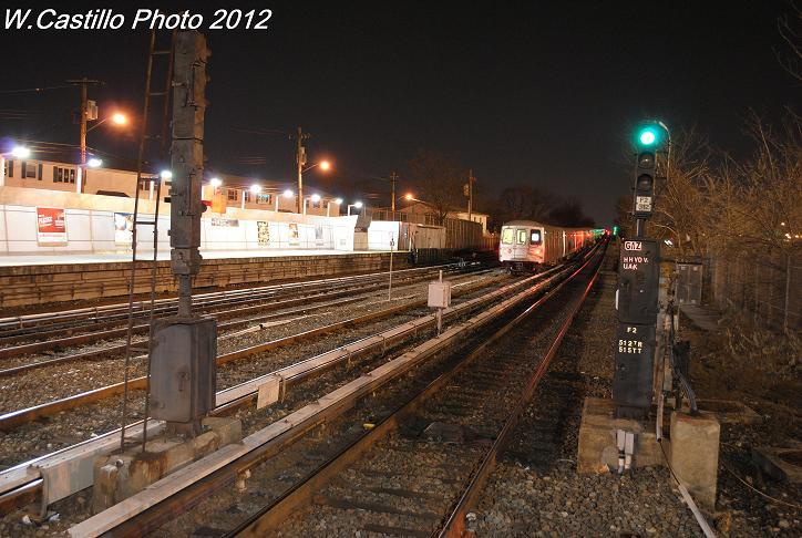 (106k, 724x486)<br><b>Country:</b> United States<br><b>City:</b> New York<br><b>System:</b> New York City Transit<br><b>Line:</b> IND Rockaway<br><b>Location:</b> Howard Beach <br><b>Route:</b> Layup<br><b>Car:</b> R-46 (Pullman-Standard, 1974-75)  <br><b>Photo by:</b> Wilfredo Castillo<br><b>Date:</b> 12/20/2012<br><b>Viewed (this week/total):</b> 1 / 1263
