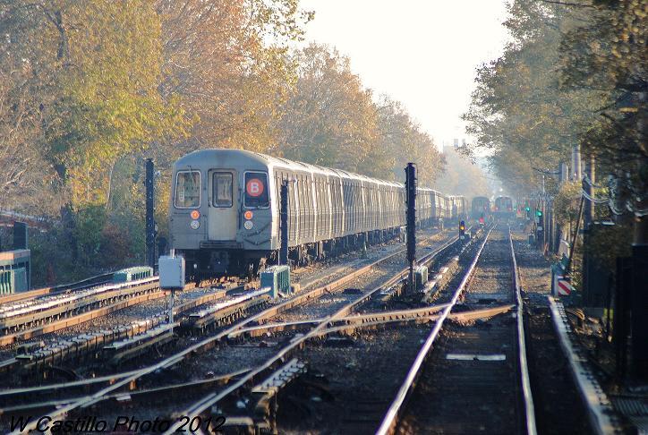 (137k, 724x486)<br><b>Country:</b> United States<br><b>City:</b> New York<br><b>System:</b> New York City Transit<br><b>Line:</b> BMT Brighton Line<br><b>Location:</b> Kings Highway <br><b>Route:</b> Layup<br><b>Car:</b> R-68A (Kawasaki, 1988-1989)   <br><b>Photo by:</b> Wilfredo Castillo<br><b>Date:</b> 11/11/2012<br><b>Viewed (this week/total):</b> 1 / 1065