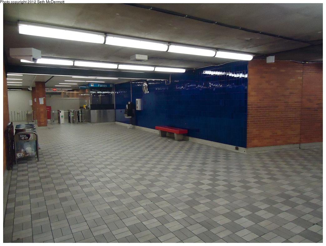 (295k, 1044x788)<br><b>Country:</b> Canada<br><b>City:</b> Toronto<br><b>System:</b> TTC<br><b>Line:</b> TTC Yonge-University-Spadina Subway<br><b>Location:</b> Lawrence <br><b>Photo by:</b> Seth McDermott<br><b>Date:</b> 12/6/2012<br><b>Notes:</b> Lawrence mezzanine ... passage to fare control from Yonge Street east side entrance<br><b>Viewed (this week/total):</b> 0 / 324
