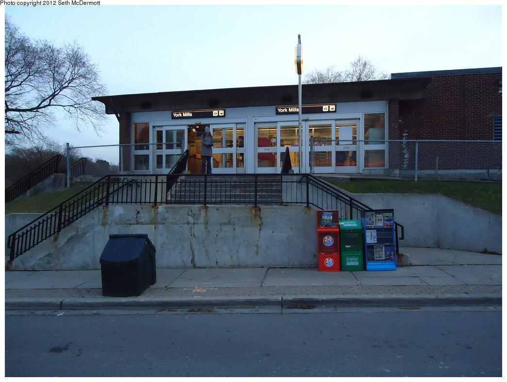 (306k, 1044x788)<br><b>Country:</b> Canada<br><b>City:</b> Toronto<br><b>System:</b> TTC<br><b>Line:</b> TTC Yonge-University-Spadina Subway<br><b>Location:</b> York Mills <br><b>Photo by:</b> Seth McDermott<br><b>Date:</b> 12/6/2012<br><b>Notes:</b> Auxiliary entrance ... outdoor view<br><b>Viewed (this week/total):</b> 0 / 486