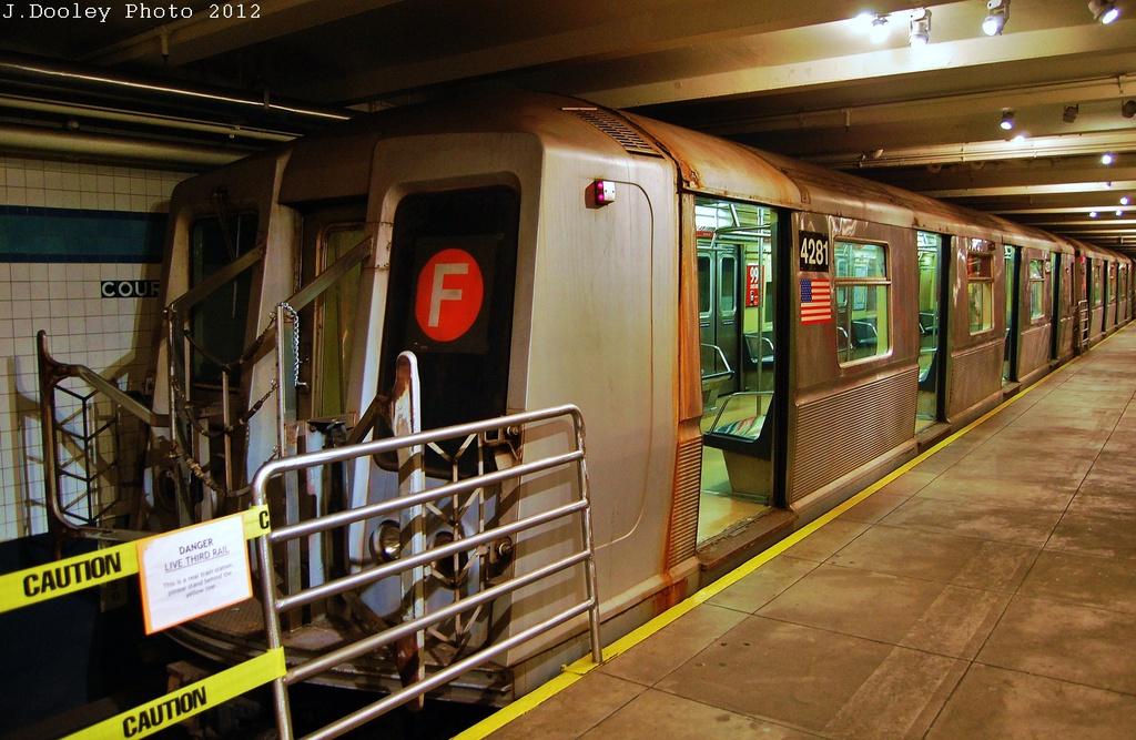 (335k, 1024x667)<br><b>Country:</b> United States<br><b>City:</b> New York<br><b>System:</b> New York City Transit<br><b>Location:</b> New York Transit Museum<br><b>Car:</b> R-40 (St. Louis, 1968)  4281 <br><b>Photo by:</b> John Dooley<br><b>Date:</b> 12/30/2012<br><b>Viewed (this week/total):</b> 0 / 1608
