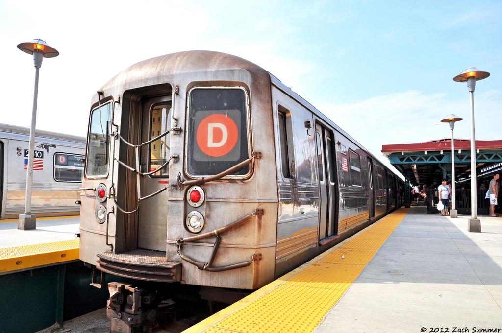(349k, 1024x680)<br><b>Country:</b> United States<br><b>City:</b> New York<br><b>System:</b> New York City Transit<br><b>Line:</b> BMT West End Line<br><b>Location:</b> 62nd Street <br><b>Route:</b> D Layup<br><b>Car:</b> R-68 (Westinghouse-Amrail, 1986-1988)  2620 <br><b>Photo by:</b> Zach Summer<br><b>Date:</b> 7/7/2012<br><b>Viewed (this week/total):</b> 1 / 918