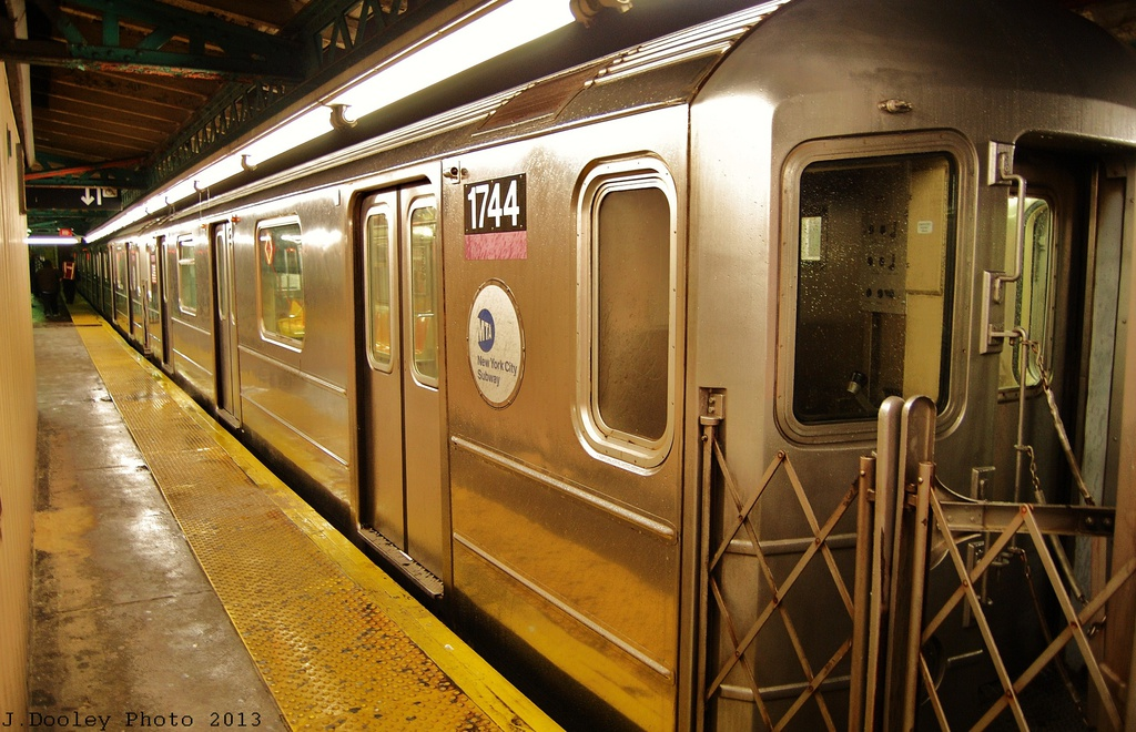 (345k, 1024x660)<br><b>Country:</b> United States<br><b>City:</b> New York<br><b>System:</b> New York City Transit<br><b>Line:</b> IRT Pelham Line<br><b>Location:</b> Pelham Bay Park <br><b>Route:</b> 6<br><b>Car:</b> R-62A (Bombardier, 1984-1987)  1744 <br><b>Photo by:</b> John Dooley<br><b>Date:</b> 1/11/2013<br><b>Viewed (this week/total):</b> 2 / 1093